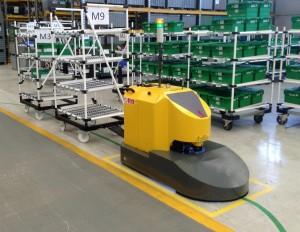Navetta AGV traino carrelli
